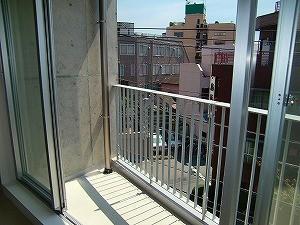 京成線 防音室 付き賃貸マンション 金線0043号室 の室内写真 ベランダ 約2m30cmもある日当たり抜群の窓からの眺望