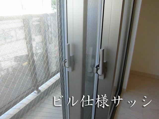 新宿 に近い 24時間演奏可能な最大15帖の広々防音室 ビル仕様の遮音二重サッシを採用 Note Kumegawa
