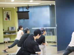 池袋レンタルスタジオのダンス練習の風景です