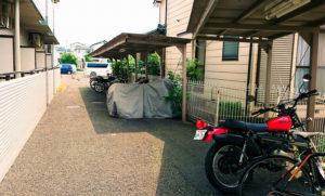 バイク置き場 3