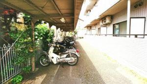 バイク置き場 2