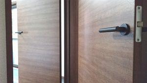 遮音性の高い防音二重ドア