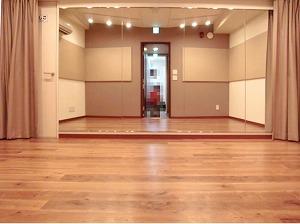 麻布防音スタジオ・スタジオ内 ミラー付