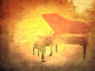 グランドピアノ可