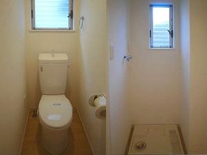 メロディア原宿・明るいトイレ