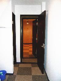 バンド練習楽器演奏音楽教室ッ利用可能なプライベート貸しスタジオ  音部屋中野スタジオ  Bスタジオ入口写真