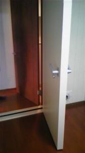 防音室の二重ドア