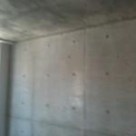 全戸室内の壁はコンクリート打ちっ放し。分厚い構造壁。むき出しにする手法は現代建築の王道です。無機質な壁を演出するのはあなたです。